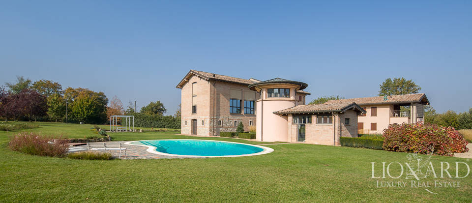 charming farmstead for sale in emilia romagna