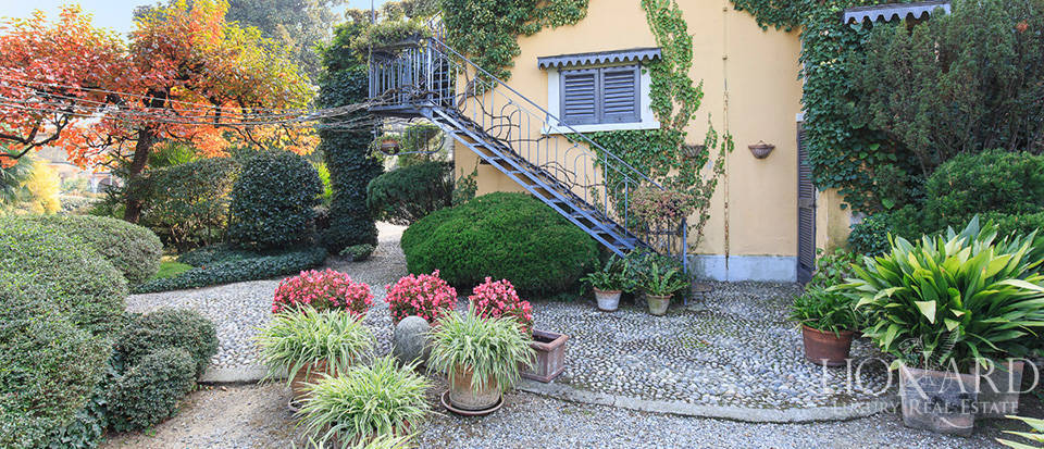 Historical villa for sale in the province of Lecco Image 11