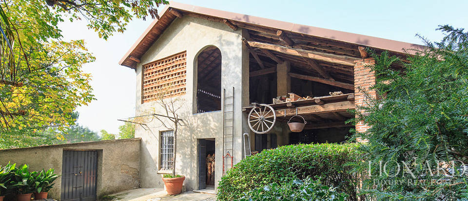 Historical villa for sale in the province of Lecco Image 23