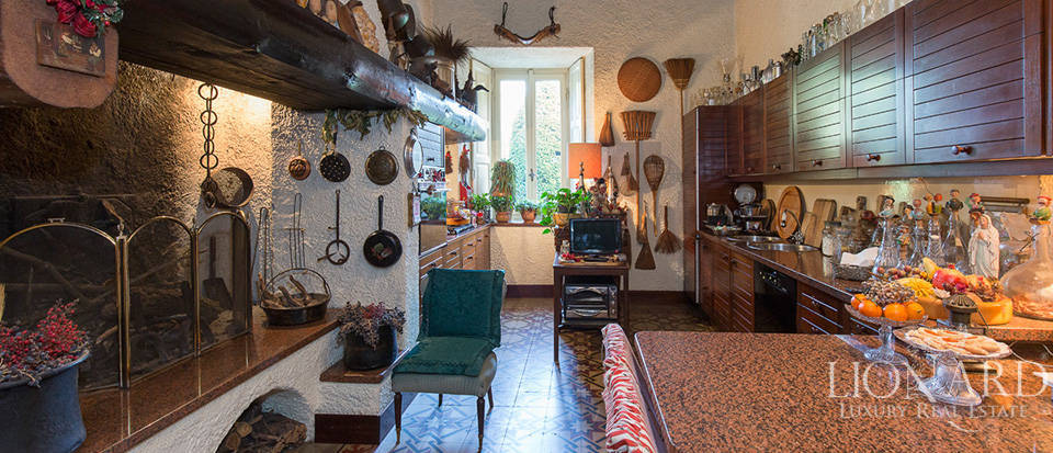 Historical villa for sale in the province of Lecco Image 37