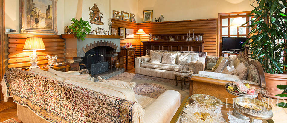 Historical villa for sale in the province of Lecco Image 25