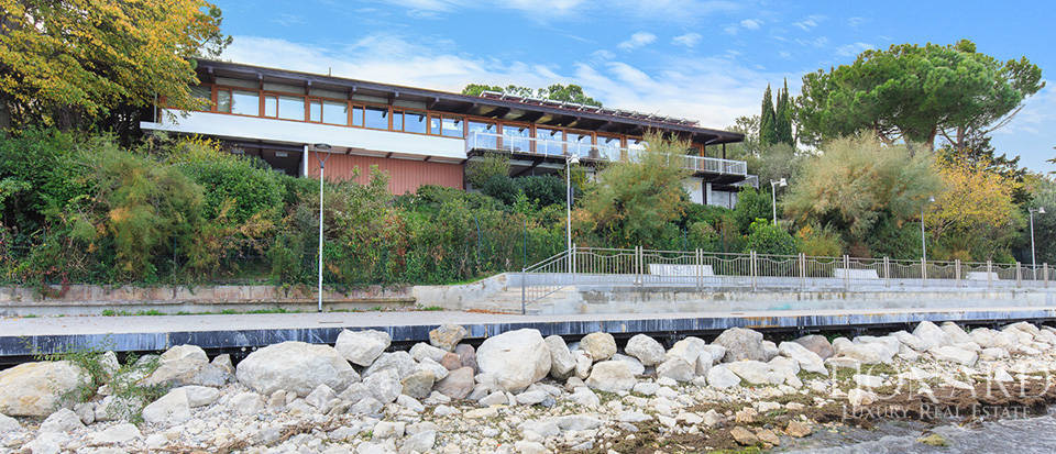 Villa for sale by Lake Garda Image 6