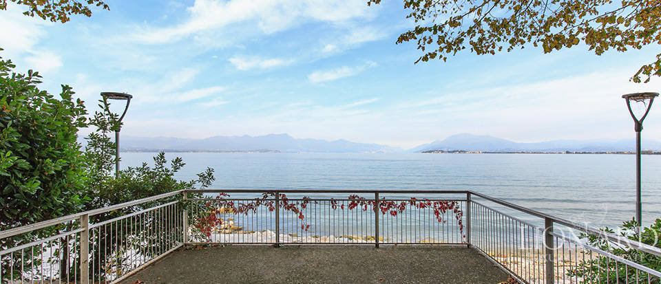 Villa for sale by Lake Garda Image 12