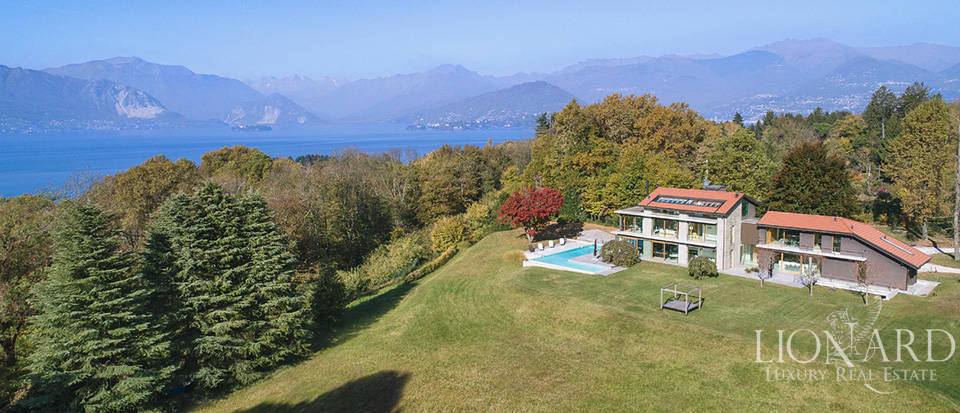 Luxurious villa for sale by Lake Maggiore Image 1
