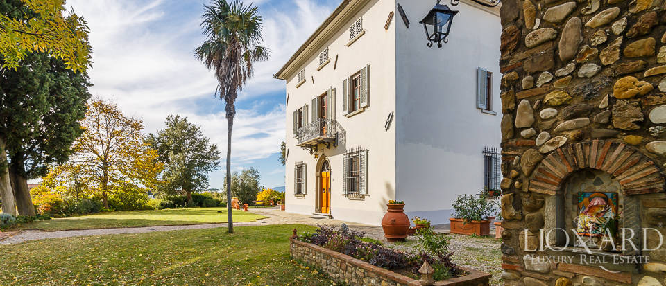 Villa for sale in Tuscany Image 13