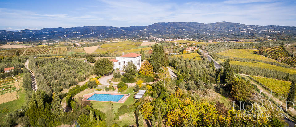 Villa for sale in Tuscany Image 40
