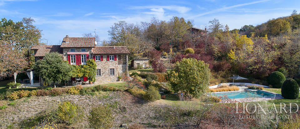 Wonderful villa for sale in the Oltrepò Pavese area Image 1