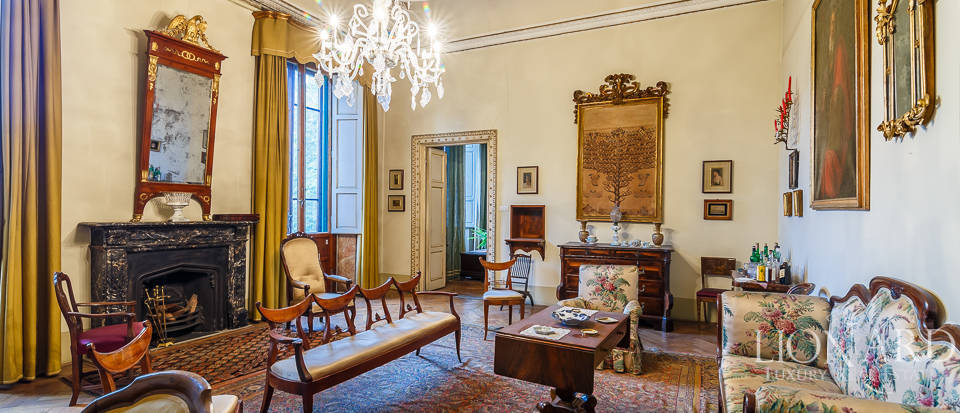 Prestigious apartment in the heart of Florence Image 1