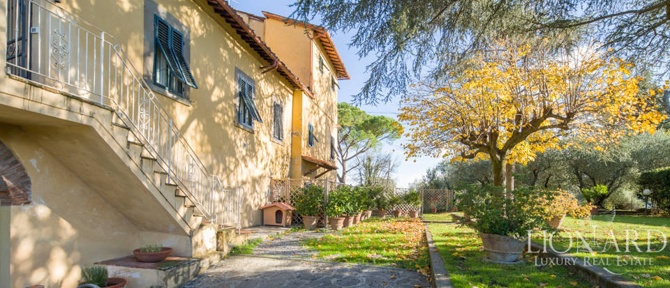 Luxury villa with swimming pool in Lucca