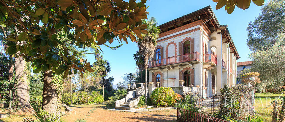 historical villa for sale by lake maggiore