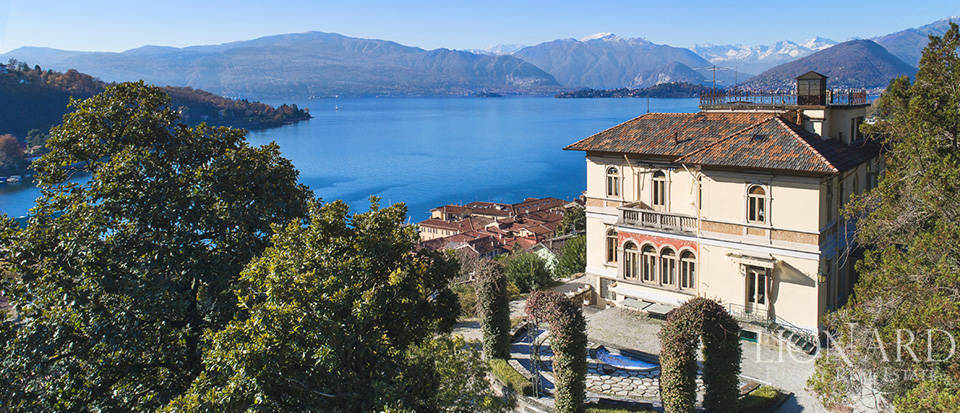 Art-nouveau villa with an extraordinary lake-view Image 1