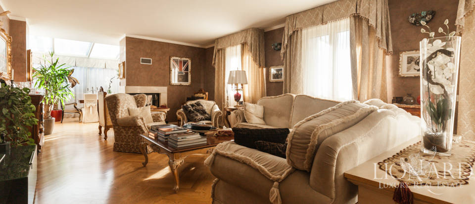 Apartment for sale in the Maggiolina area Image 1