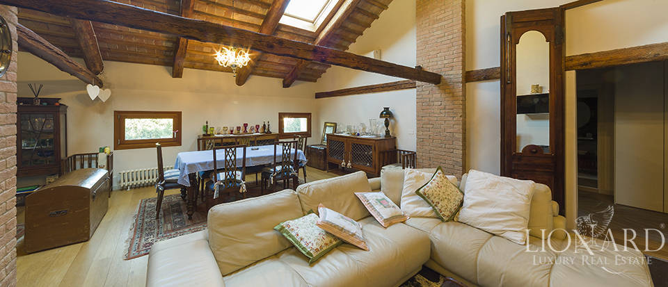 Historical villa for sale in Venice Image 23