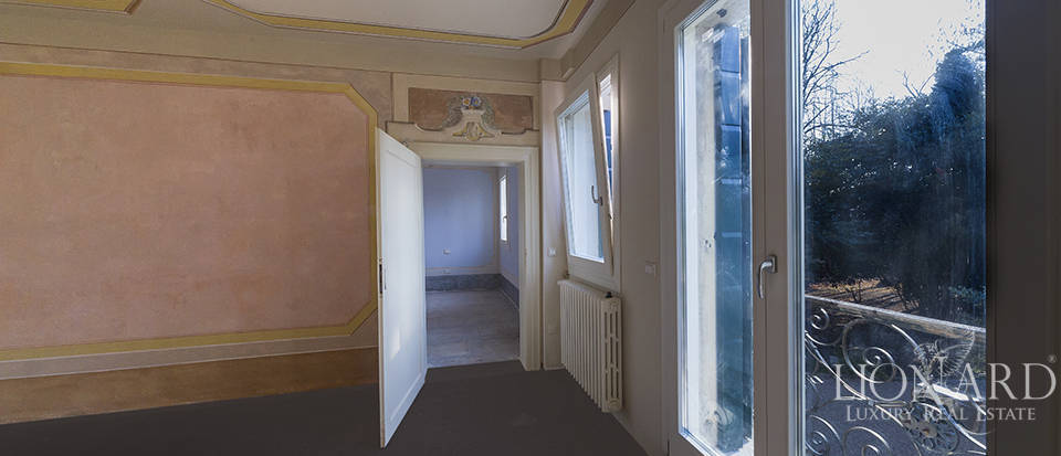 Historical villa for sale in Venice Image 35