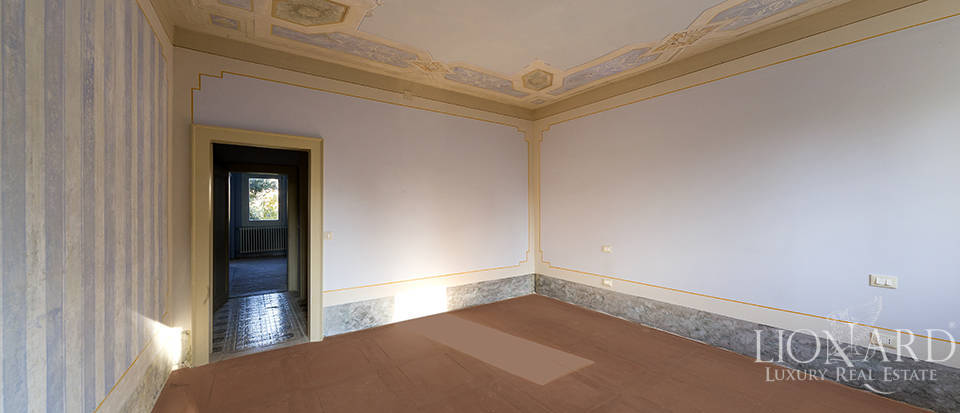 Historical villa for sale in Venice Image 36
