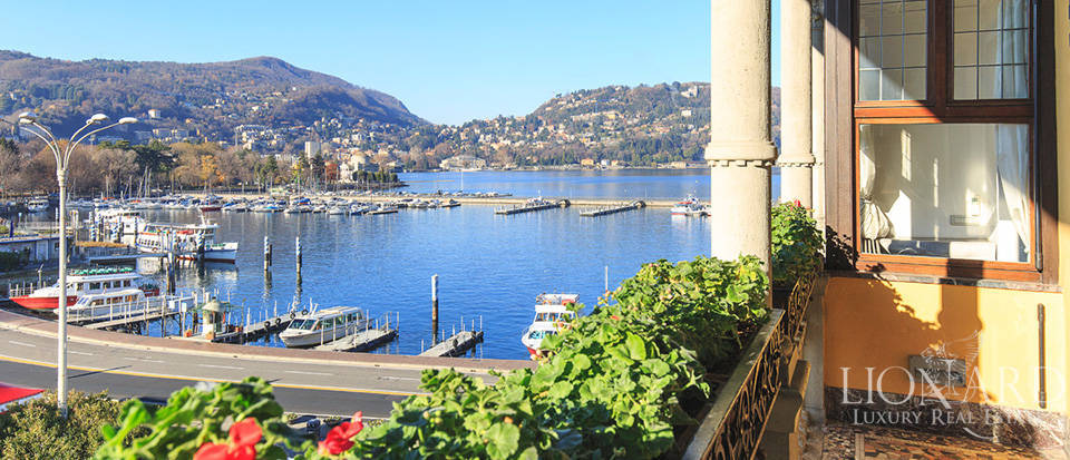 Penthouse with a wonderful view for sale in Como Image 1