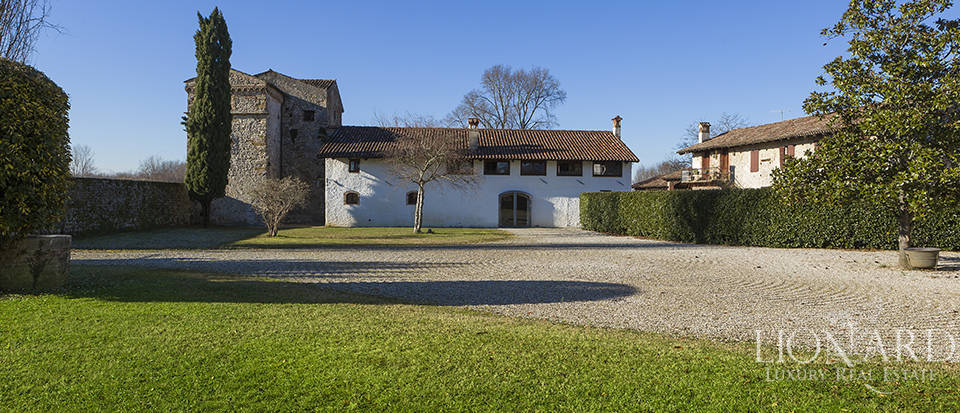 Historical property for sale in Friuli Image 4
