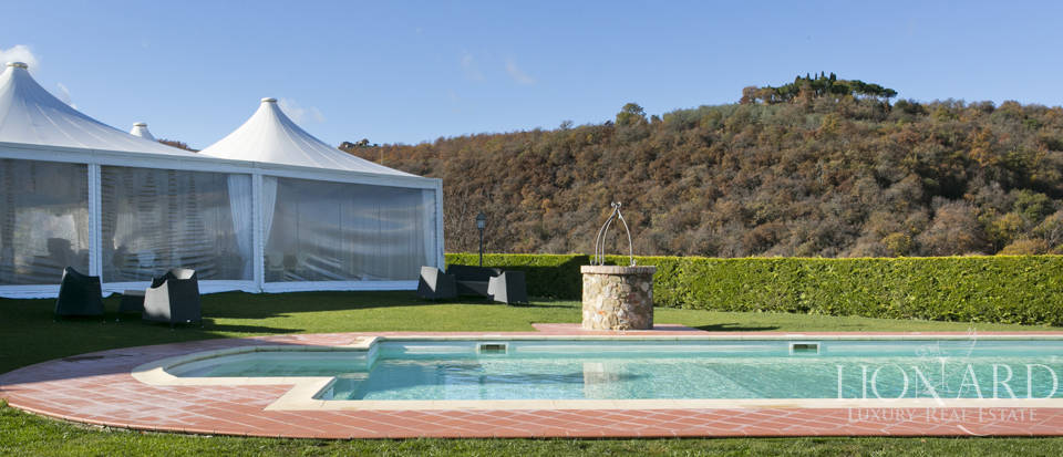 Hotel with swimming pool for sale in Tuscany Image 27