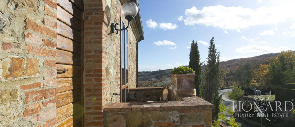 Hotel with swimming pool for sale in Tuscany Image 58