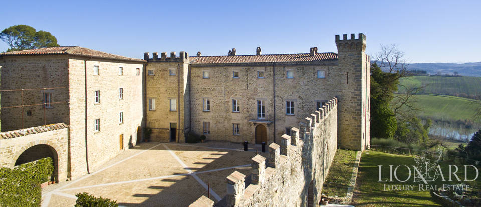 Centuries-old castle for sale in Umbria Image 16