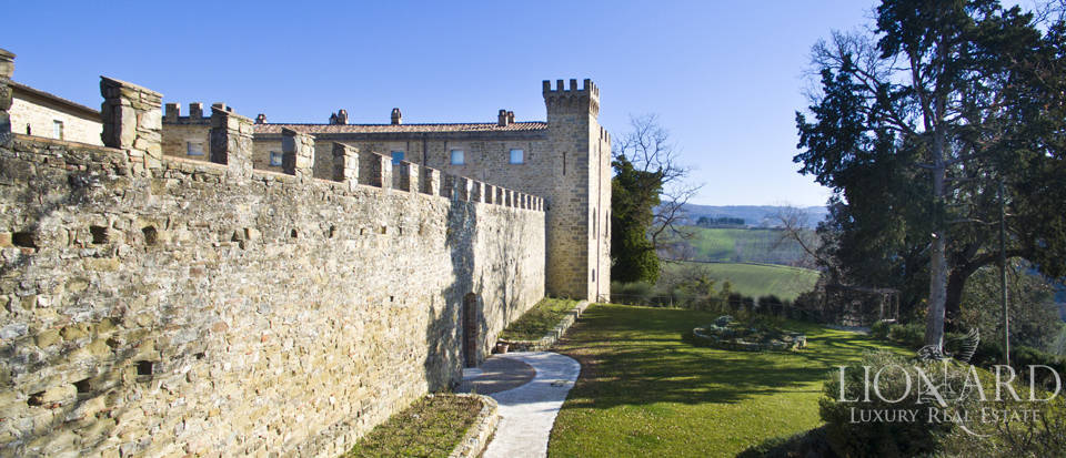 Centuries-old castle for sale in Umbria Image 17