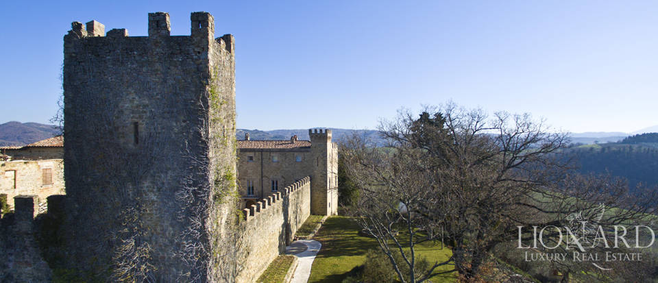 Centuries-old castle for sale in Umbria Image 18