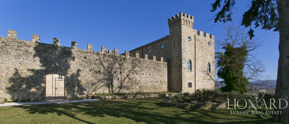 Centuries-old castle for sale in Umbria Image 20