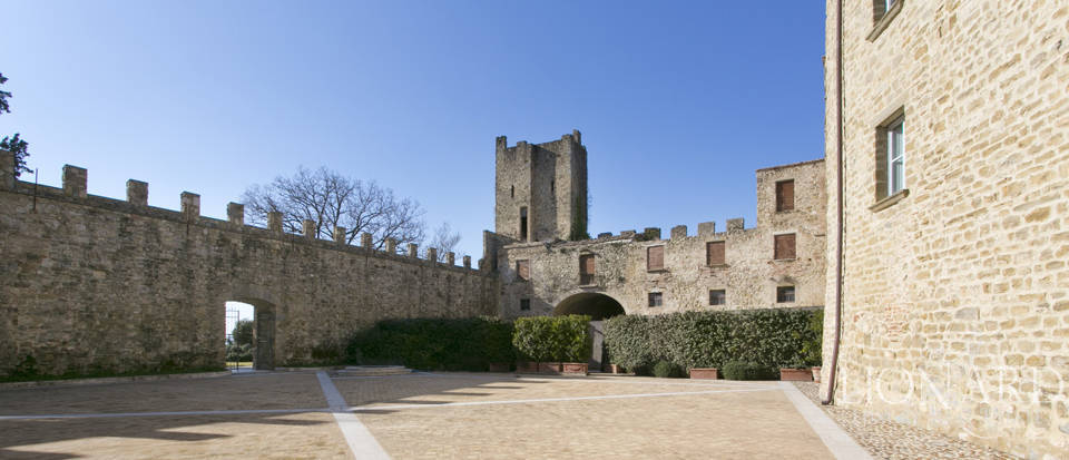 Centuries-old castle for sale in Umbria Image 24