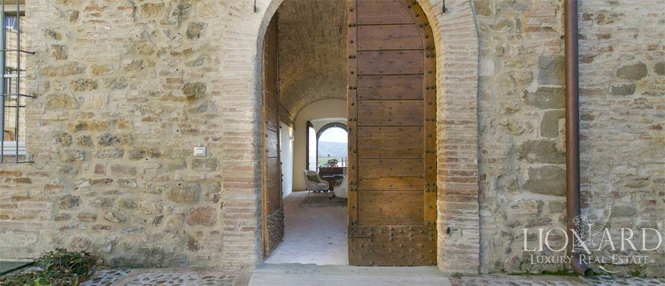 Centuries-old castle for sale in Umbria Image 38