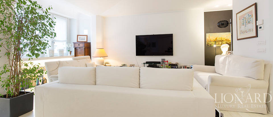 Luxurious apartment for sale in Milan Image 13