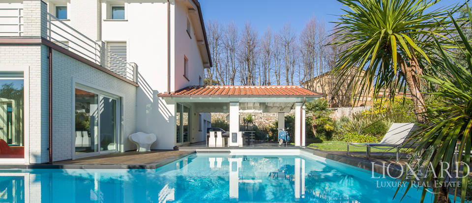 Modern villa with swimming pool in Pietrasanta Image 1