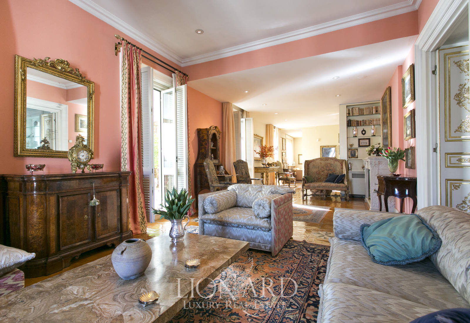 extraordinary penthouse for sale in central rome