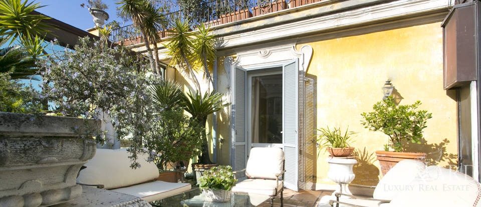 Luxurious penthouse for sale in Rome Image 11