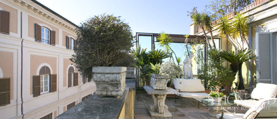 Luxurious penthouse for sale in Rome Image 12