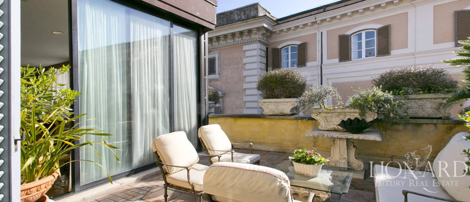 Luxurious penthouse for sale in Rome Image 14