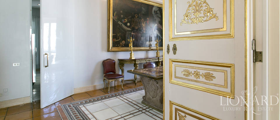 Luxurious penthouse for sale in Rome Image 16
