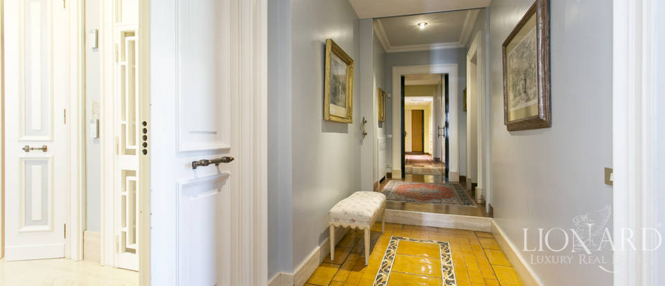 Luxurious penthouse for sale in Rome Image 22
