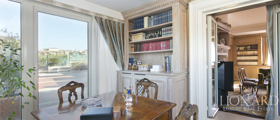 Luxurious penthouse for sale in Rome Image 31