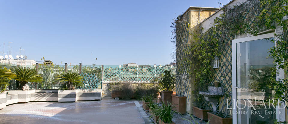 Luxurious penthouse for sale in Rome Image 43
