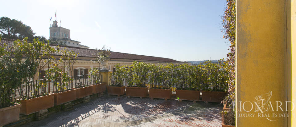 Luxurious penthouse for sale in Rome Image 44