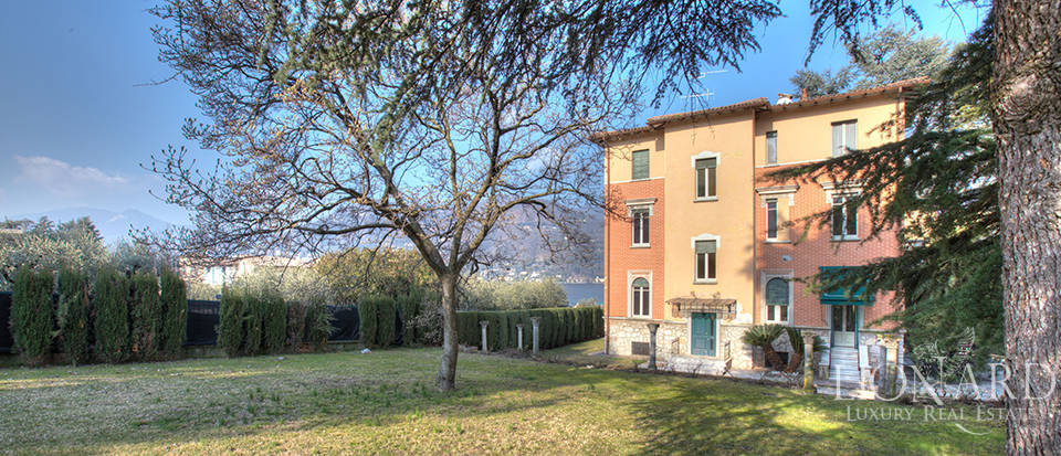 Villa for sale by Lake Garda Image 4