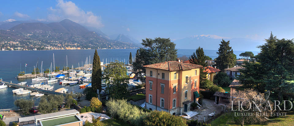 lake front villa for sale in san felice del benaco
