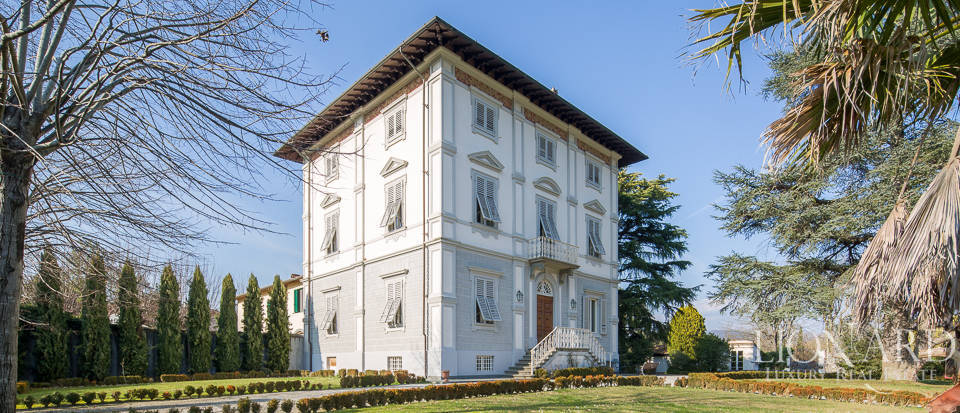 historical villa in lucca for sale