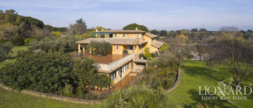 Magnificent villa for sale in Rome Image 1