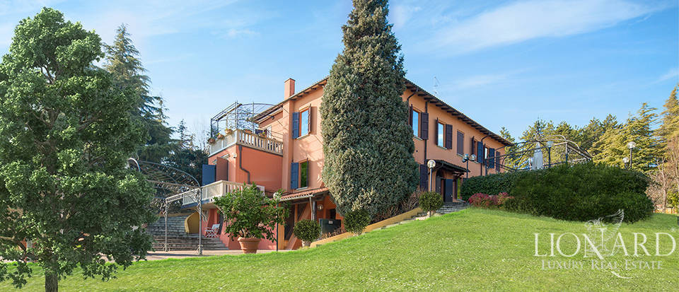 Villa with park for sale in Bologna Image 1