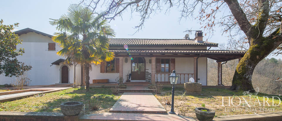 Villa for sale in Massa Image 4