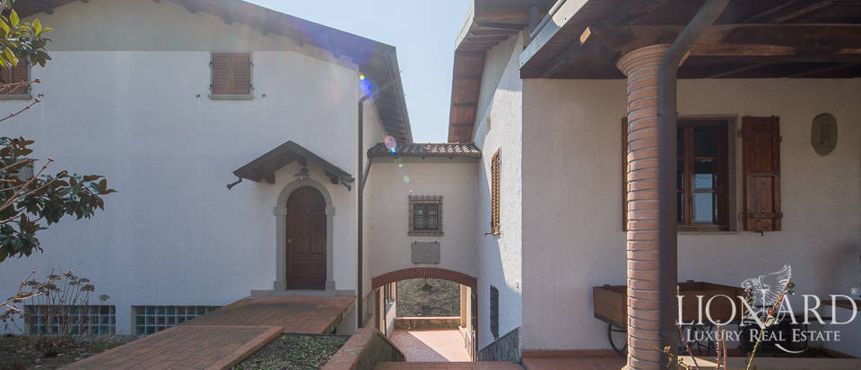 Villa for sale in Massa Image 6