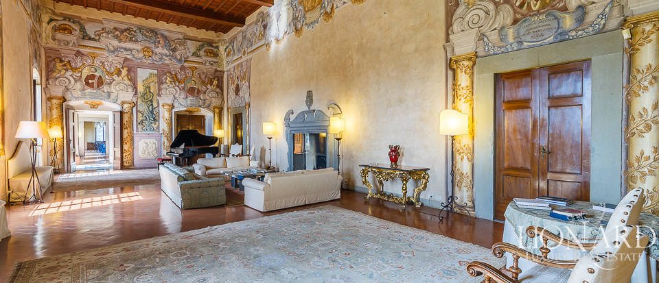 Villa for sale in Florence Image 32