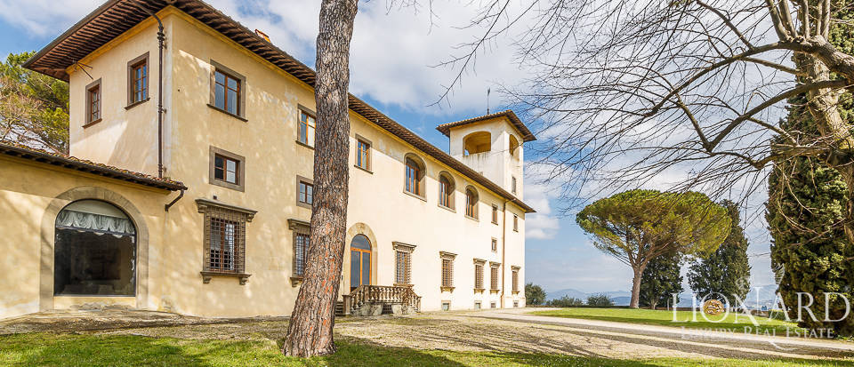 Villa for sale in Florence Image 4