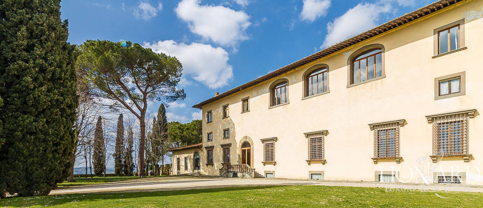 Villa for sale in Florence Image 18